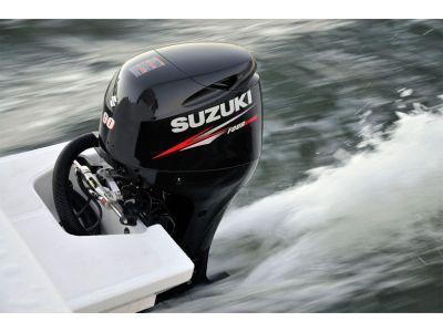 8 причин выбрать подвесной лодочный мотор Suzuki.