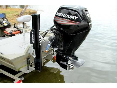 Устанавливаем подвесной лодочный мотор правильно